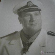 Militaria: FOTOGRAFÍA SECRETARIO PROVINCIAL MOVIMIENTO NACIONAL. ORDEN DE CISNEROS. Lote 49322397