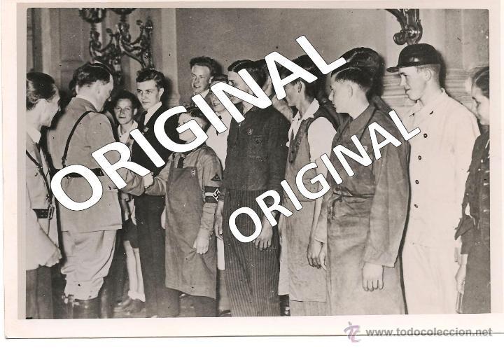 HITLER Y GOEBBELS CON LAS JUVENTUDES HITLERIANAS-PAPEL AGFA BROVIRA (Militar - Fotografía Militar - II Guerra Mundial)