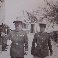 Militaria: FOTOGRAFÍA OFICIALES DE CABALLERÍA 11X7 CM. Lote 50054358