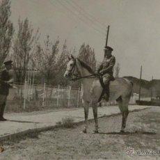 Militaria: FOTOGRAFÍA EQUITACIÓN MILITAR - CABALLERÍA - CARLOS KILPATRICK O'DONNELL - MEDIDAS 8X13 CM. Lote 50367997
