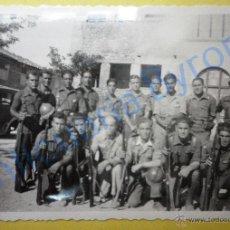 Militaria: FOTOGRAFÍA ANTIGUA ORIGINAL. MILITARES. GUERRA CIVIL. (8,5 X 6 CM) . Lote 50724365