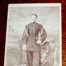 Militaria: FOTOGRAFIA DE TENIENTE CORONEL DE ARTILLERIA, CDV, DE M. HEBERT EN MADRID, CARTE DE VISITE, ALBUMINA. Lote 51075584