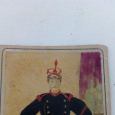 Militaria: ANTIGUA FOTO POSTAL SOLDADO GUARDIA REAL ESPAÑA DE ÉPOCA 1900 EN COLOR. Lote 51201666