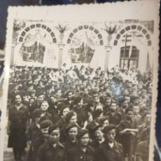 Militaria: FOTOGRAFIA MILITAR FALANGISTAS ALELLA GUERRA CIVIL AGOSTO 1939 TEATRO. Lote 51530034