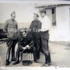 Militaria: (JX-102)FOTOGRAFIA DE SOLDADOS EN EL CASTILLO DE MONTJUICH,MAYO DE 1936,COMISARIO POLITICO G.C.. Lote 52159008