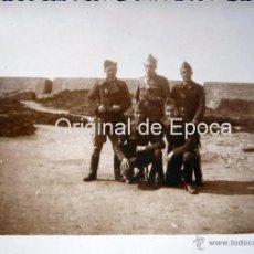 Militaria: (JX-110)FOTOGRAFIA SOLDADOS CASTILLO MONTJUICH,1935,CAPELLA COMISARIO POLITICO GUERRA CIVIL. Lote 52166149