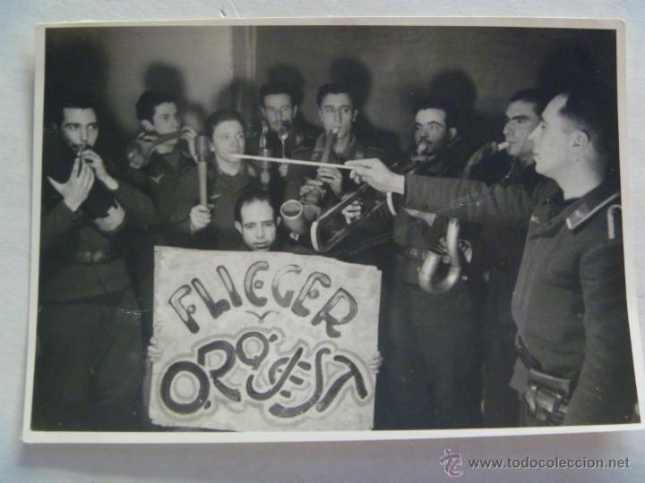 DIVISION AZUL : SOLDADOS DE AVIACION DE LA 4ª ESCUADRILLA DE CACHONDEO , INSTRUMENTOS SIMULADOS (Militar - Fotografía Militar - II Guerra Mundial)