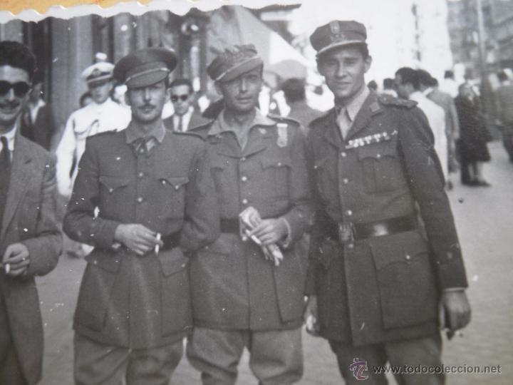 FOTOGRAFÍA CAPITANES LEGIONARIOS. MADRID 1947 (Militar - Fotografía Militar - Otros)