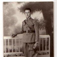 Militaria: TARJETA POSTAL FOTOGRAFICA MILITAR. ENCOMIENDA FOTOGRAFO. CEUTA. CIRCA 1930. Lote 52817888