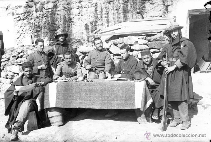 FOTOGRAFIA DE CRISTAL NEGATIVO MILITARES EN LA GUERRA DEL RIF (MARRUECOS) 1912 APROXIMADAMENTE, MIDE (Militar - Fotografía Militar - Otros)