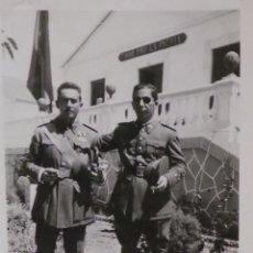 Militaria: FOTOGRAFIAS MILITARES ESPAÑOLES CON MEDALLAS 8,5 X 6 CM. Lote 52943182