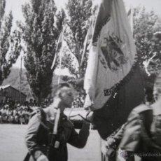 Militaria: FOTOGRAFÍA SOLDADO DEL EJÉRCITO ESPAÑOL. JURA DE BANDERA REGIMIENTO INMEMORIAL SEGOVIA. Lote 53196208