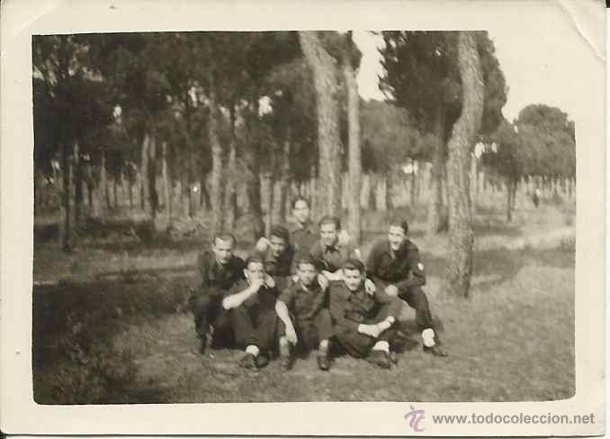 FOTO CAMPAMENTO FALANGE,AÑOS 40,FLECHAS,OJE,ETC,ORIGINAL,PEQUEÑO TAMAÑO (Militar - Fotografía Militar - Otros)