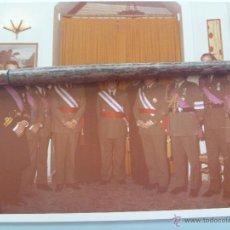 Militaria: ORDEN SAN HERMENEGILDO : GENERALES CONDECORADOS , MEDALLAS , ANGULOS HERIDO. Lote 53524632