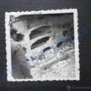 Militaria: FOTOGRAFÍA ANTIGUA ORIGINAL. BELCHITE. AÑO 1938. TUMBAS. CEMENTERIO (6 X 6 CM) . Lote 53552176