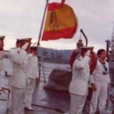 Militaria: FOTOGRAFIA DE LA FRAGATA BALEARES, AÑO 1975, MARINEROS ARMADA ESPAÑOLA. Lote 53562124