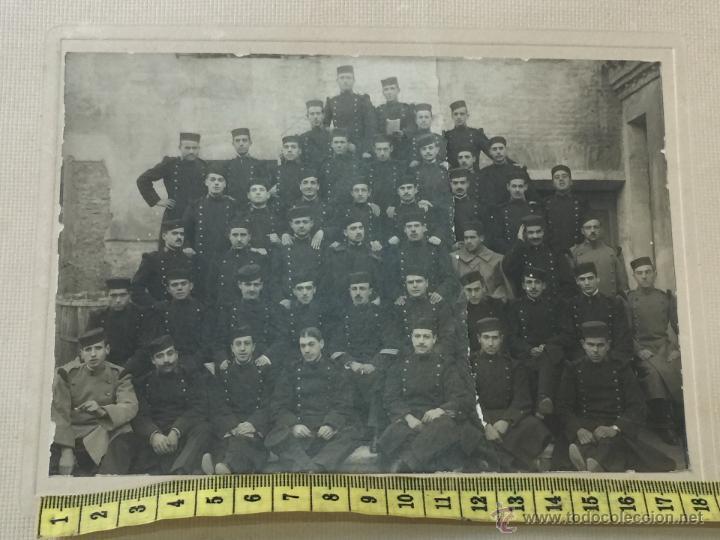 FOTOGRAFIA MILITAR - REGIMIENTO GUERRA DEL RIF - UNIFORME - HOMBRERAS PLATANO (Militar - Fotografía Militar - Otros)