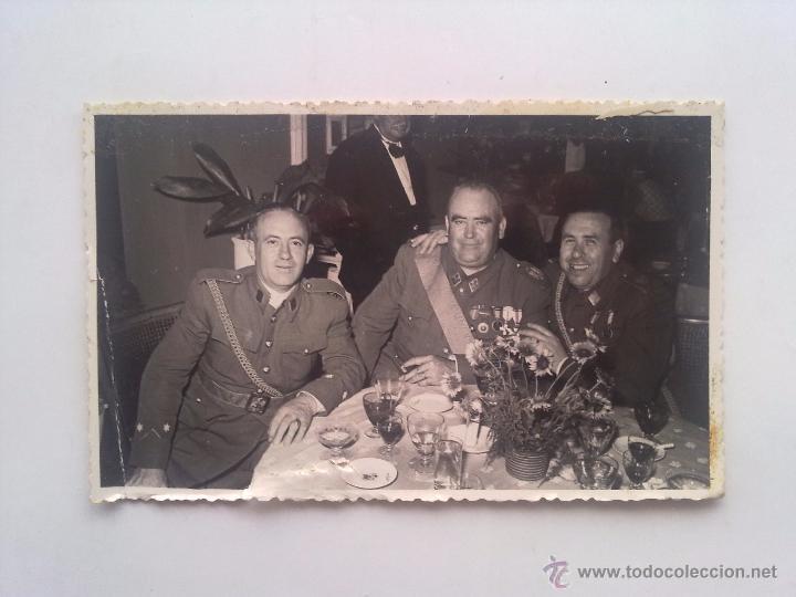 Militaria: LOTE 3 FOTOGRAFIAS, EJERCITO, MILITAR, MILITARES, MEDALLAS, CONDECORACIONES - Foto 2 - 53636770