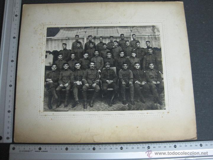Militaria: FOTO MILITAR - FOTO MIDE 17X 23 CM. - CARTON 28X34 CM - (V-3982 ) - Foto 6 - 53666136