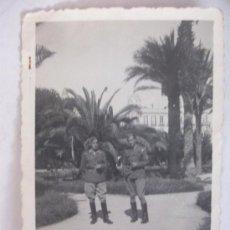 Militaria: GUERRA CIVIL: TENIENTES PROVISIONALES CON PARCHE EJERCITO MARRUECOS. MELILLA, 1939. Lote 53839669