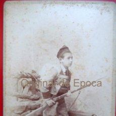Militaria: (JX-1370)FOTOGRAFIA DE NIÑO CON UNIFORME DE LOS VOLUNTARIOS CATALANES DE LA CAMPAÑA DE AFRICA 1860. Lote 54082377