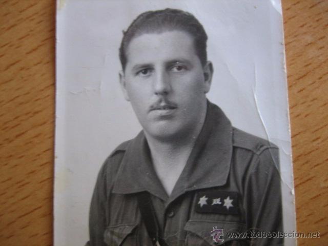 Militaria: Fotografía falangista teniente provisional del ejército nacional. Guerra Civil - Foto 2 - 54574870