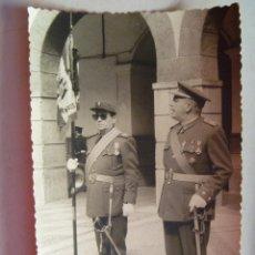Militaria: TENIENTE CORONEL CON SABLE, TENIENTE CON BANDERA. CEUTA. Lote 54807438