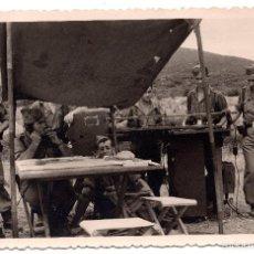 Militaria: FOTOGRAFIA PUESTO DE MANDO 1957 14 X 9 CM. Lote 55338891