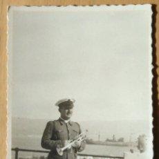 Militaria: OFICIAL DE MARINA CON TROMPETA - SAN FERNANDO - 1943. Lote 55641387