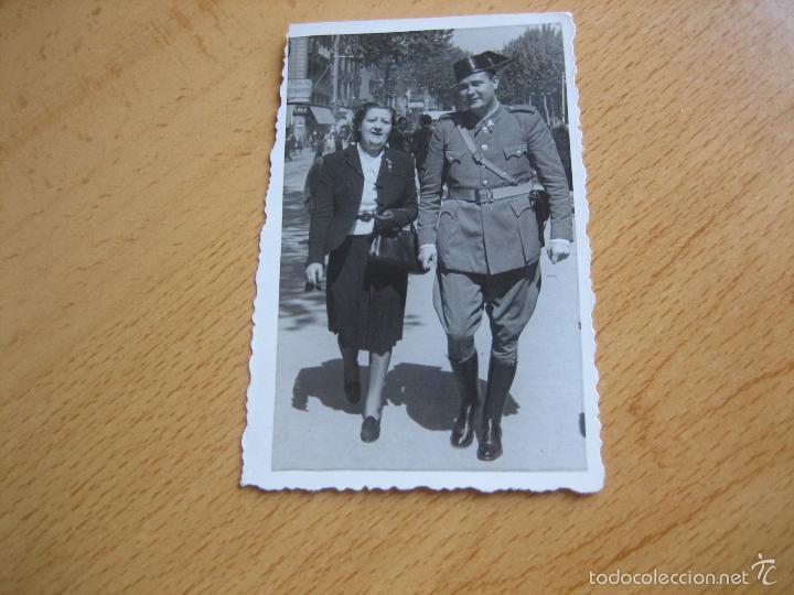 Militaria: Fotografía Guardia Civil Carabinero. Barcelona 1941 - Foto 2 - 55696366