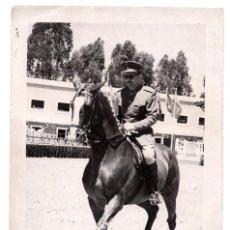 Militaria: FOTOGRAFÍA OFICIAL A CABALLO, 18 X 12 CM APROX.. Lote 55878751