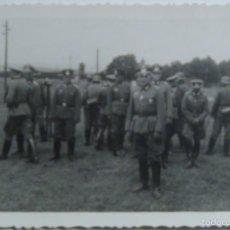 Militaria: FOTOGRAFÍA POSTAL OFICIALES ALEMANES. ALEMANIA. II GUERRA MUNDIAL. 1939-1945. ORIGINAL Y ÚNICA. Lote 56697682
