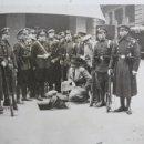 Militaria: FG-150. MIEMBROS DE LA GUARDIA DE ASALTO Y POLICIAS EN BUSCA DE BOMBAS. ENERO 1933.BARCELONA.. Lote 56737835
