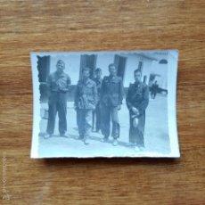 Militaria: ANTIGUA FOTOGRAFIA. MILITARES O QUINTOS?? 8 X 5.5 CM. Lote 56902639