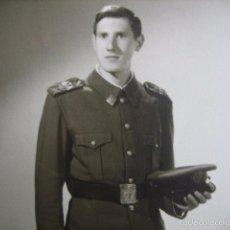 Militaria: FOTOGRAFÍA SOLDADO DEL EJÉRCITO ESPAÑOL. CUARTEL GENERAL DEL EJÉRCITO 1973. Lote 57012675