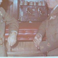 Militaria: DOS GENERALES . MEDALLA MILITAR INDIVIDUAL , COLECTIVA MANO NEGRA , ANGULOS HERIDO, ETC.. Lote 57545210