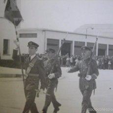 Militaria: FOTOGRAFÍA TENIENTE Y SARGENTOS AVIACIÓN.. Lote 57808809