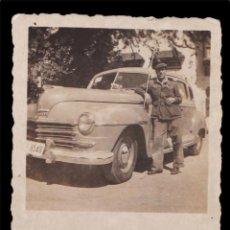 Militaria: *** BONITA FOTO DE SOLDADO CONDUCTOR DE LARACHE 1950 COCHE PLYMOUTH? ***. Lote 57835011