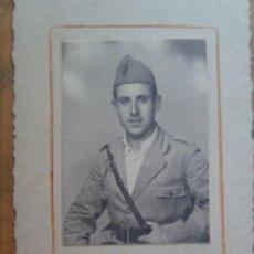 Militaria: GUERRA CIVIL : FOTO DE MILITAR ITALIANO ( AL MENOS LA GUERRERA ES ITALIANA ), CTV . ZARAGOZA. Lote 58386876