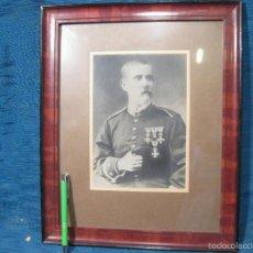 Militaria: FOTOGRAFIA DE UN OFICIAL CONDECORADO. GUERRAS CARLISTAS O ALFONSO XII. Lote 58419004
