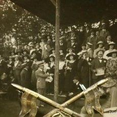 Militaria: POSTAL FOTOGRAFIA VIAJE DE LAS INFANTAS A CEUTA,PRESENTE EL REY ALFONSO XIII-1915. Lote 58774706