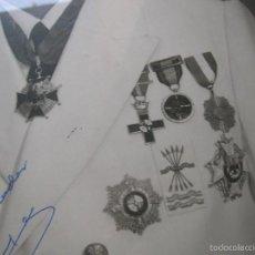 Militaria: FOTOGRAFIA ENMARCADA CON DEDICATORIA DE JERARCA FALANGISTA DEL MOVIMIENTO. FALANGE. GRAN TAMAÑO.. Lote 105179070