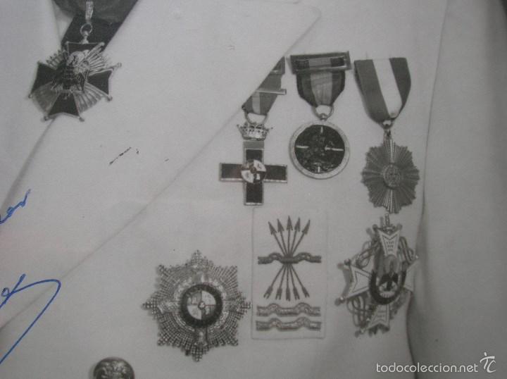 Militaria: FOTOGRAFIA ENMARCADA CON DEDICATORIA DE JERARCA FALANGISTA DEL MOVIMIENTO. FALANGE. GRAN TAMAÑO. - Foto 6 - 105179070