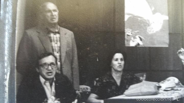 Militaria: FOTOGRAFIA DE GRANDES DIMENSIONES EPOCA TRANSICION ESPAÑOLA SANTIAGO CARRILLO Y SU COMITIVA - Foto 5 - 59881495