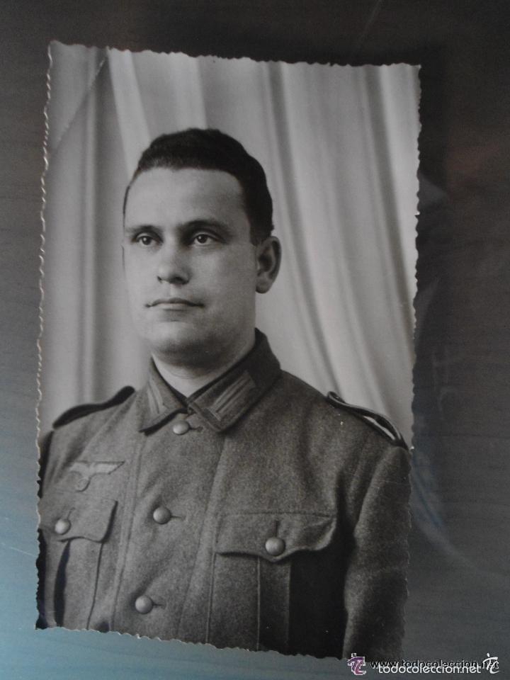 ANTIGUA FOTO POSTAL SOLDADO ALEMAN TERCER III REICH - SEGUNDA GUERRA MUNDIAL (Militar - Fotografía Militar - II Guerra Mundial)