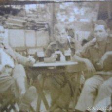 Militaria: FOTOGRAFÍA OFICIAL REGULARES. BANDERA DE FALANGE DE MARRUECOS. Lote 60778011