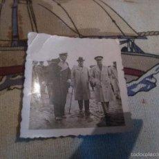 Militaria: FOTOGRAFIA DE JOAQUIN CEBOLLINO Y MARSHALL DE VISITA POR LARACHE. Lote 60809199