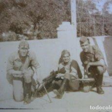 Militaria: FOTOGRAFÍA SOLDADOS DEL EJÉRCITO NACIONAL. HOTCHKISS M-1922. Lote 61473075