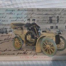 Militaria: POSTAL FOTOGRAFÍA REY ALFONSO XIII EN SU AUTOMOVIL COLOREADA. CIRCULADA 1915. Lote 63601732