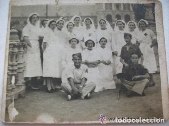 GUERRA CIVIL: ENFERMERAS Y SOLDADOS NACIONALES HERIDOS ( UNO CON TRES HERIDAS). SEVILLA (Militar - Fotografía Militar - Guerra Civil Española)